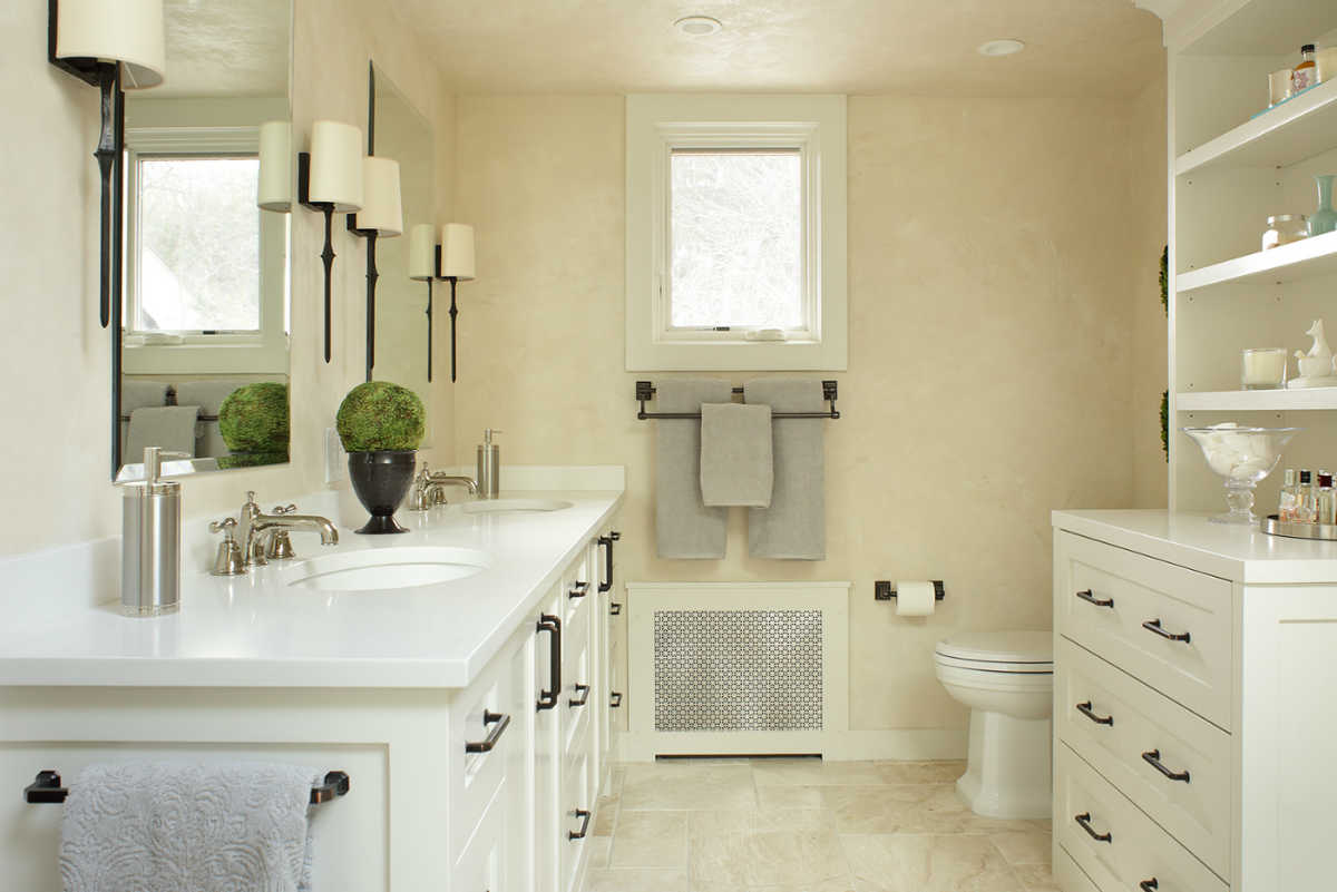 Clean Nuetral Bathroom Design