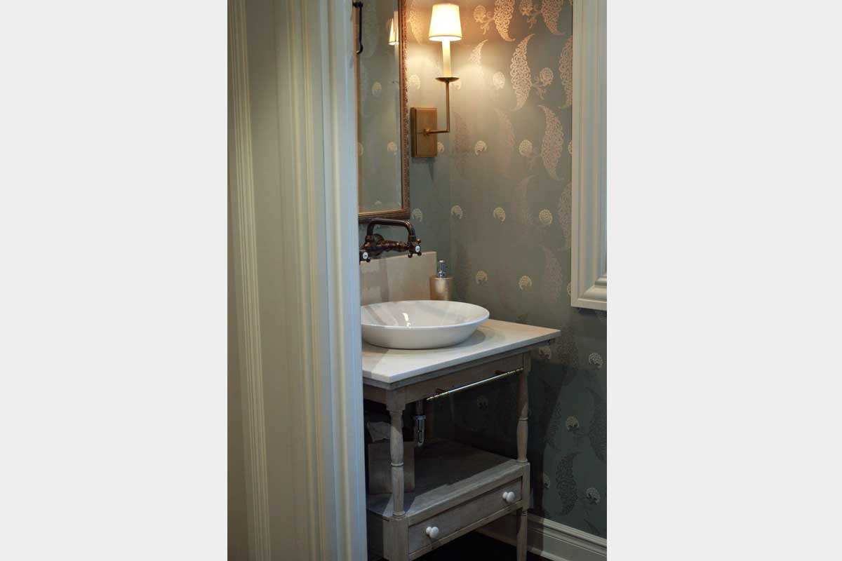 Farmhouse-Bathroom-Design