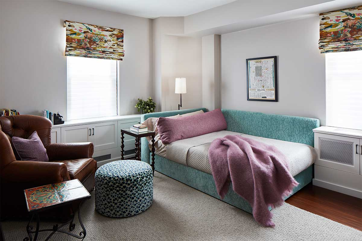 Daybed-with-Teal