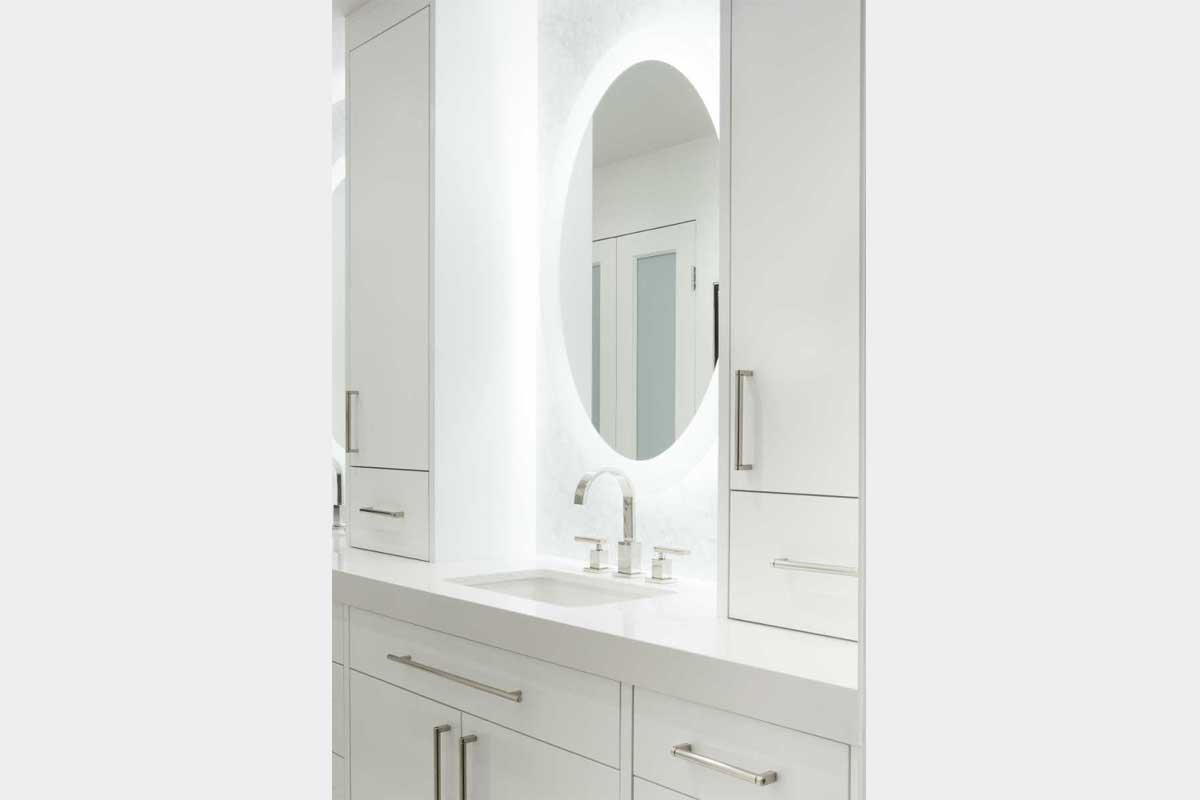 Modern-White-Bathroom-Design