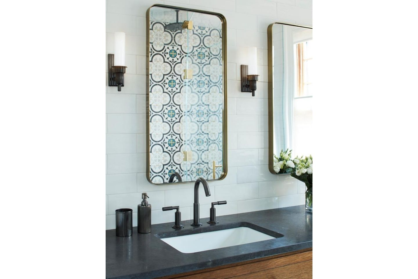 bathroom vanity design with mirrors