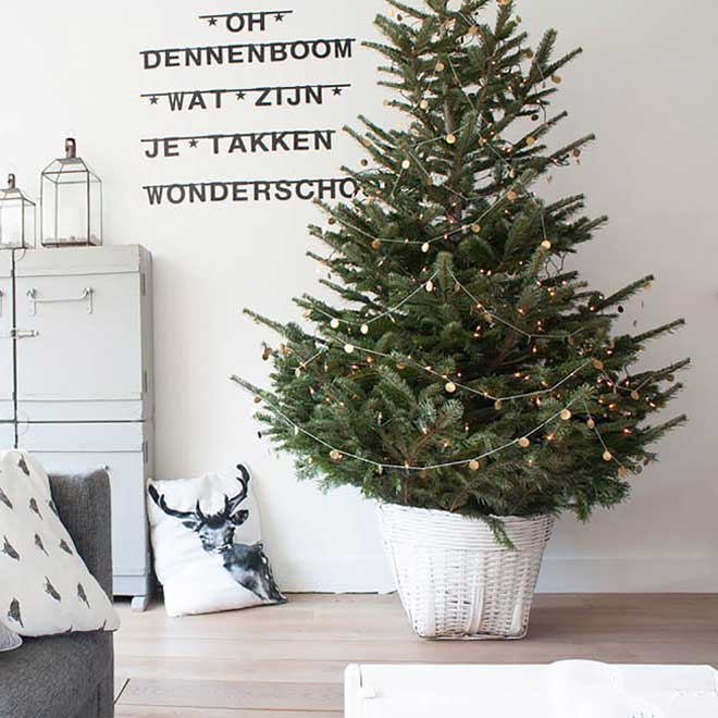 a perfectly pale interior with nordic influences - Interior Christmas Decorating Ideas