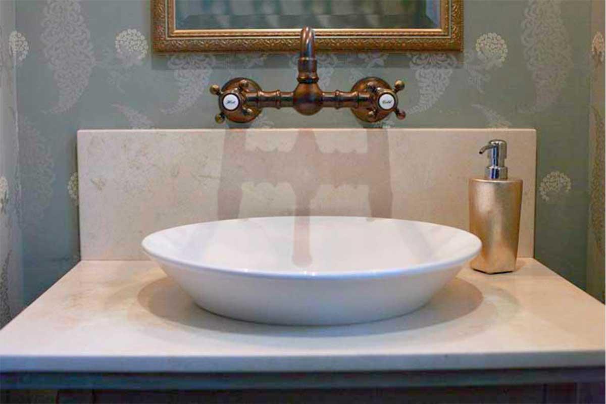 Bathroom-Vintage-Sink